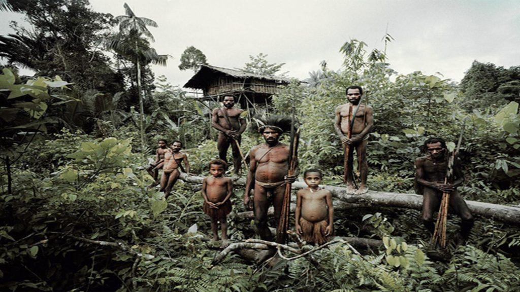 Suku Primitif Terisolasi dan Berbahaya di Dunia