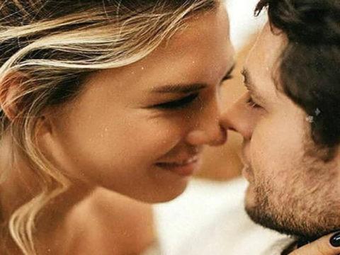 Manfaat Berciuman untuk Kesehatan