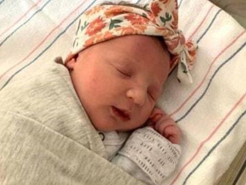 Bayi Tertua di Dunia Berhasil Lahir, Hampir Seumur Ibunya