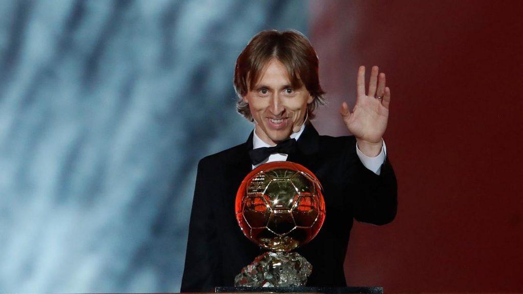 Pesepak Bola yang Beruntung Memenangkan Ballon d'Or