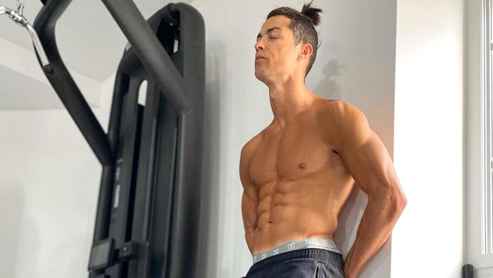 Perut Six Pack Ronaldo Buat Iri Banyak Orang